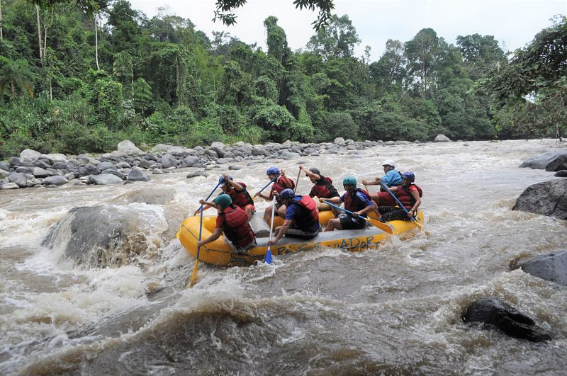Whitewater rafting quito