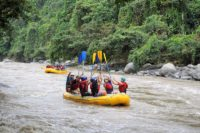 Full action rafting Ecuador